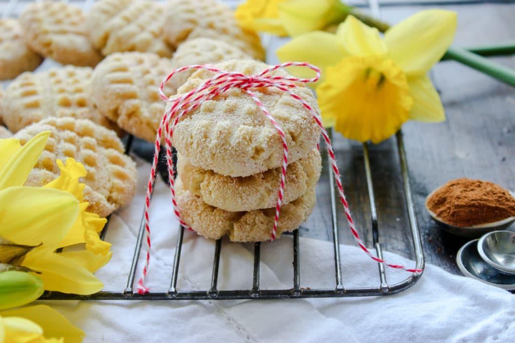 Gluten Free & Sugar Free Snickerdoodle Cookies