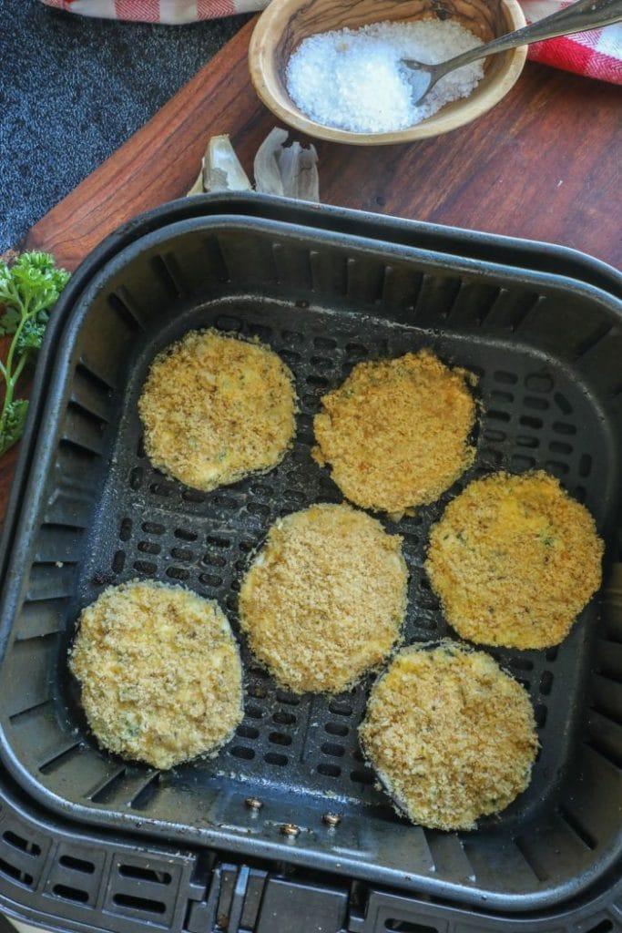 Air fryer with Crispy Keto Ricotta Stuffed Eggplant Rounds