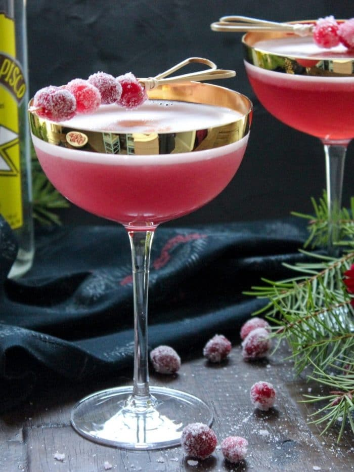 8 Festive Low Carb Holiday Cocktails